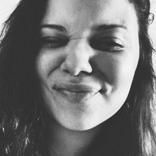 Eveline Almeida profile picture