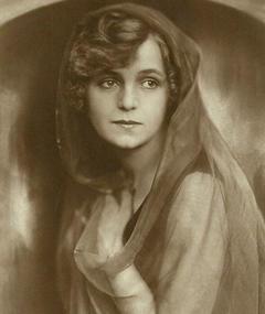 Aud Egede Nissen adlı kişinin fotoğrafı