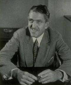 Photo of Sidney Howard