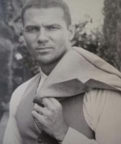 Photo of Mitchell Cox
