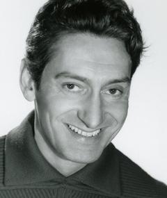 Gambar Renaud Mary