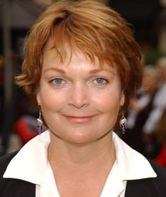Photo of Pamela Reed
