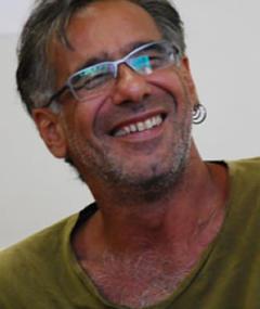 Gambar Gustavo Hadba
