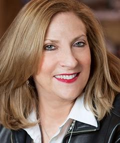 Photo of Lesli Linka Glatter