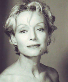 Photo of Caroline Silhol