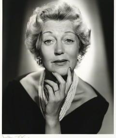 Photo of Kay Hammond