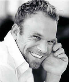 Photo of Norbert Leo Butz