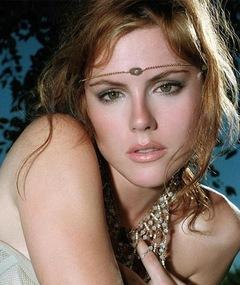 Photo of Kathleen Robertson