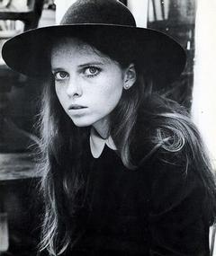 Photo of Stephanie Farrow