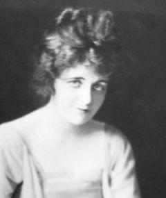 Gambar Gladys Hurlbut