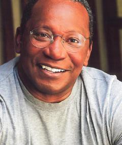 James L. White adlı kişinin fotoğrafı