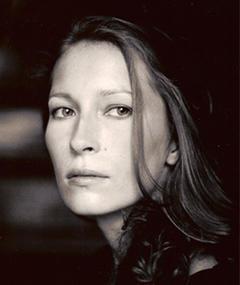 Dounia Sichov adlı kişinin fotoğrafı