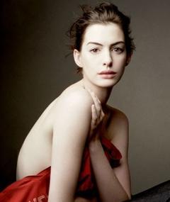Anne Hathaway adlı kişinin fotoğrafı