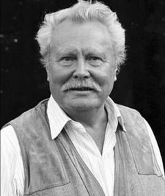 Ernst Schröder adlı kişinin fotoğrafı