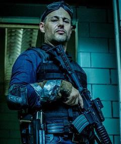 Photo of Louis Mandylor