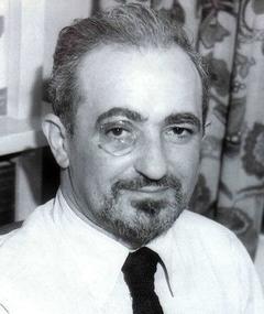 Photo of Gordon Kahn
