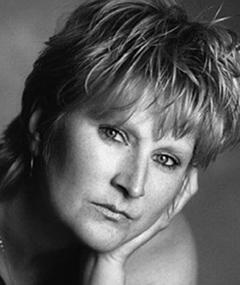 Photo of Linda Henry