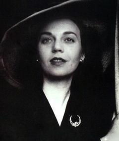 Sophia de Mello Breyner Andresen adlı kişinin fotoğrafı