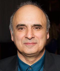 Gambar Peter Polycarpou