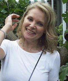Photo of Helen Shaver