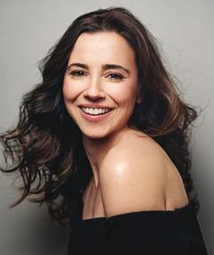 Photo of Linda Cardellini