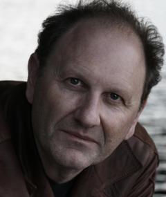 Gambar Douglas Wolfsperger