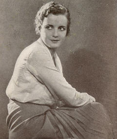Photo of Nora Lane