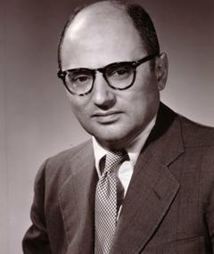 Julian Roffman adlı kişinin fotoğrafı