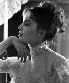 Photo of Leslie Caron