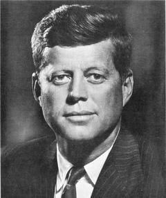 Poza lui John F. Kennedy