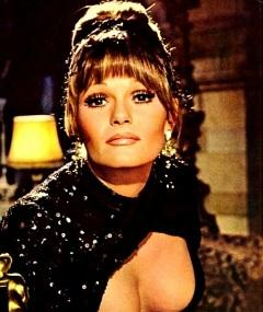Photo of Valerie Perrine