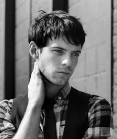 Gambar Harry Treadaway