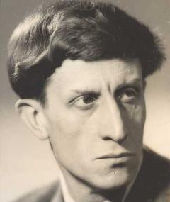 Gambar Georges Douking