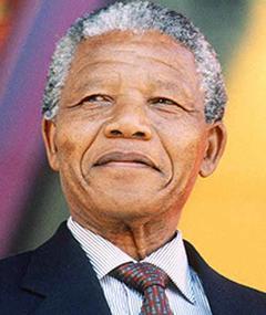 Nelson Mandela adlı kişinin fotoğrafı