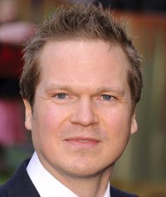 Steve Hamilton Shaw adlı kişinin fotoğrafı