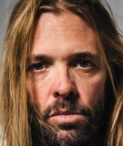 Photo of Taylor Hawkins