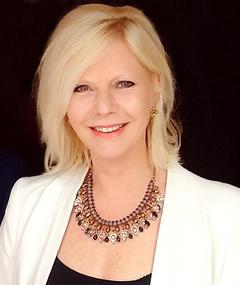 Photo of Felicity Dean