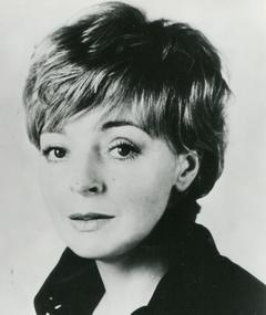 Photo of Barbara Leigh-Hunt