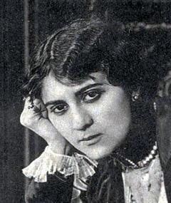 Photo of Yvette Andréyor