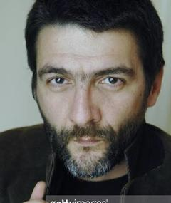 Gambar César Troncoso