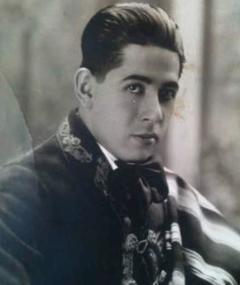 Miguel Contreras Torres adlı kişinin fotoğrafı