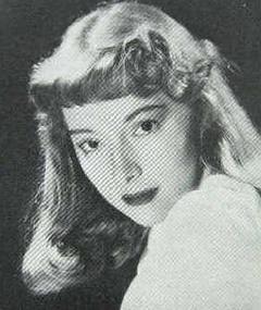 Photo of Czenzi Ormonde
