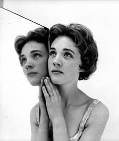 Photo of Julie Andrews