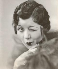 Gambar Mae Questel