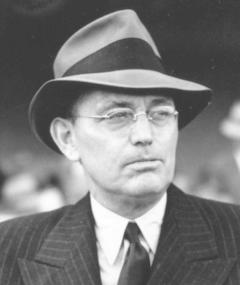 Photo of Damon Runyon