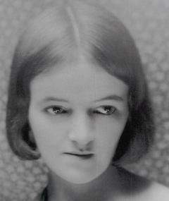 Barbara Hepworth adlı kişinin fotoğrafı