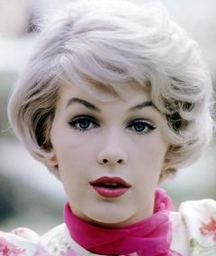 Photo of Stella Stevens