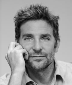 Bradley Cooper adlı kişinin fotoğrafı