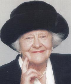 Photo of Elizabeth Bradley