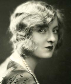 Gambar Peggy Hopkins Joyce